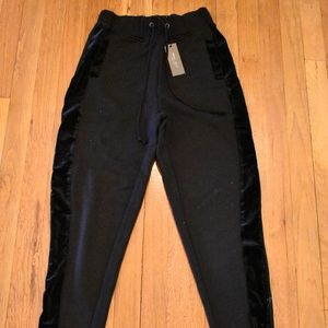 NWT Romeo & Juliet Couture Black Joggers Size S